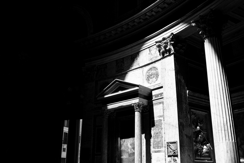<p>The Pantheon, Rome, Italy.</p>